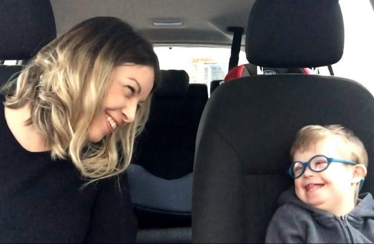 Mejorar la comunicación de niños con Down mediante lengua de signos